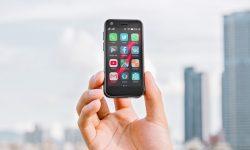 Mau Tahu Smartphone 4G Terkecil di Dunia, Klik di Sini